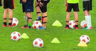 Kid' ado adulte maine et loire centre de loisirs foot