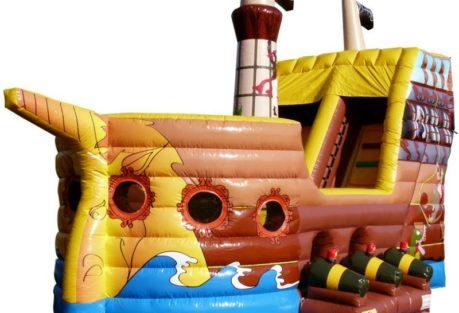 anjou sport nature se déplace structure gonflable le bateau pirate